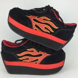 Vintage Rare 90's Volatile Sneakers